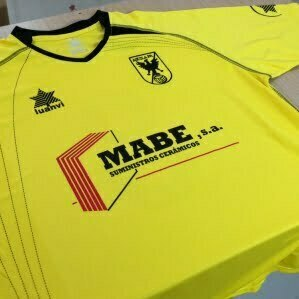 Camiseta de futbol Luanvi personalizada con vinilo